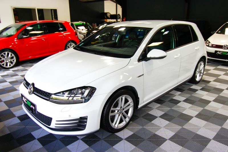 Photo 2 de l'offre de VOLKSWAGEN GOLF VII 2.0 TDI 184CH BLUEMOTION TECHNOLOGY FAP GTD DSG6 5P à 18990€ chez AC111 Automobiles