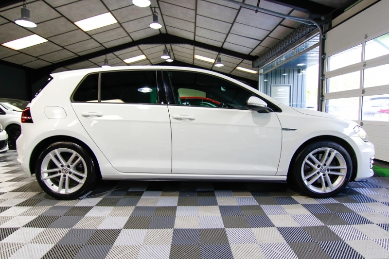 Photo 3 de l'offre de VOLKSWAGEN GOLF VII 2.0 TDI 184CH BLUEMOTION TECHNOLOGY FAP GTD DSG6 5P à 18990€ chez AC111 Automobiles