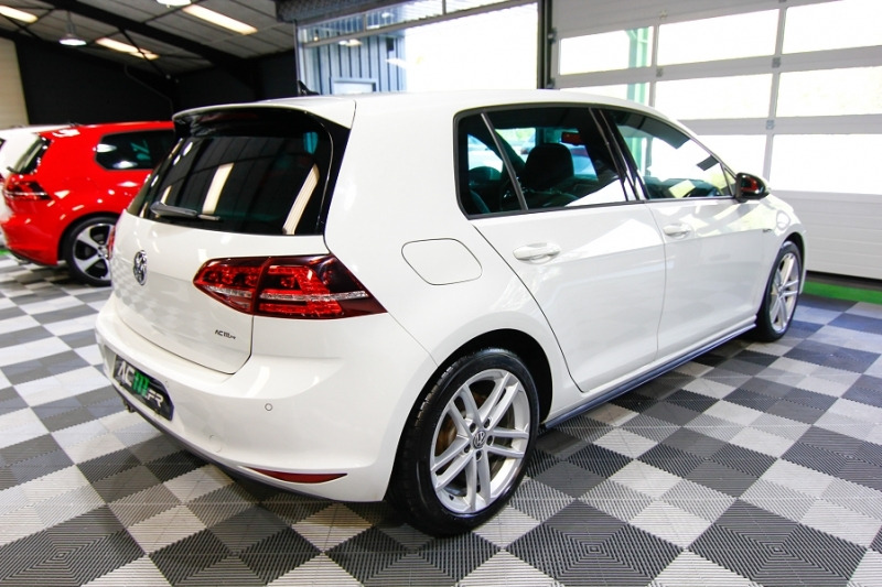 Photo 4 de l'offre de VOLKSWAGEN GOLF VII 2.0 TDI 184CH BLUEMOTION TECHNOLOGY FAP GTD DSG6 5P à 18990€ chez AC111 Automobiles