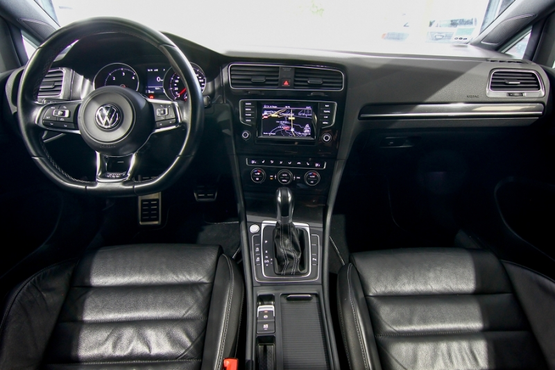 Photo 12 de l'offre de VOLKSWAGEN GOLF VII 2.0 TDI 184CH BLUEMOTION TECHNOLOGY FAP GTD DSG6 5P à 18990€ chez AC111 Automobiles