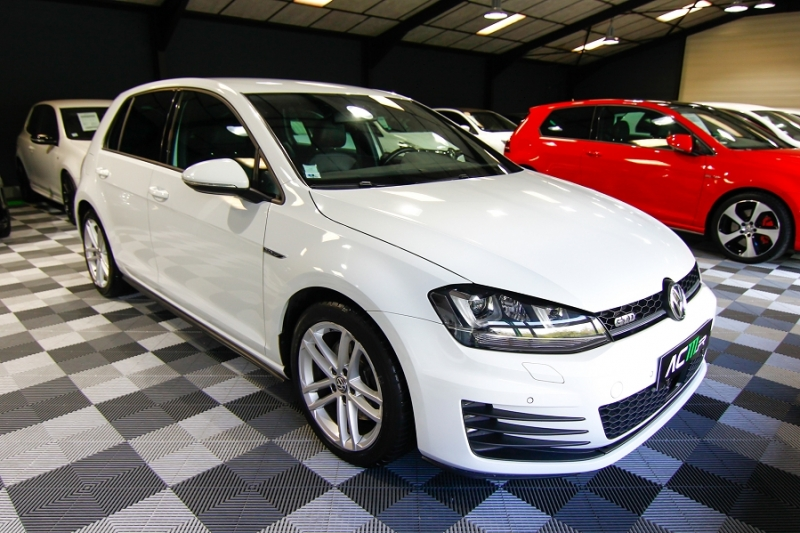 Photo 14 de l'offre de VOLKSWAGEN GOLF VII 2.0 TDI 184CH BLUEMOTION TECHNOLOGY FAP GTD DSG6 5P à 18990€ chez AC111 Automobiles