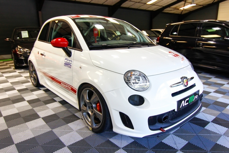 Photo 19 de l'offre de ABARTH 500 1.4 TURBO PREPA PISTE 244CH à 15990€ chez AC111 Automobiles