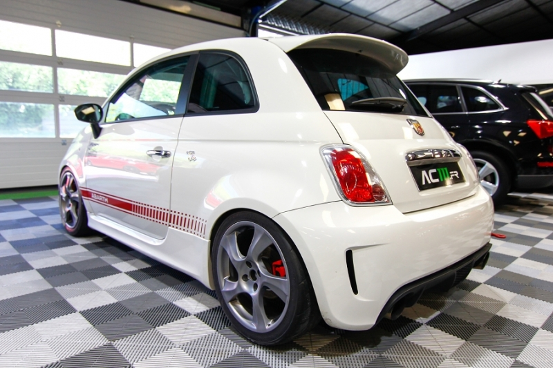Photo 20 de l'offre de ABARTH 500 1.4 TURBO PREPA PISTE 244CH à 15990€ chez AC111 Automobiles