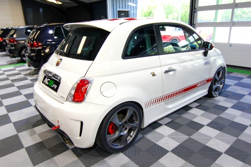 Photo 14 de l'offre de ABARTH 500 1.4 TURBO PREPA PISTE 244CH à 15990€ chez AC111 Automobiles
