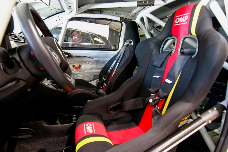 Photo 21 de l'offre de ABARTH 500 1.4 TURBO PREPA PISTE 244CH à 15990€ chez AC111 Automobiles